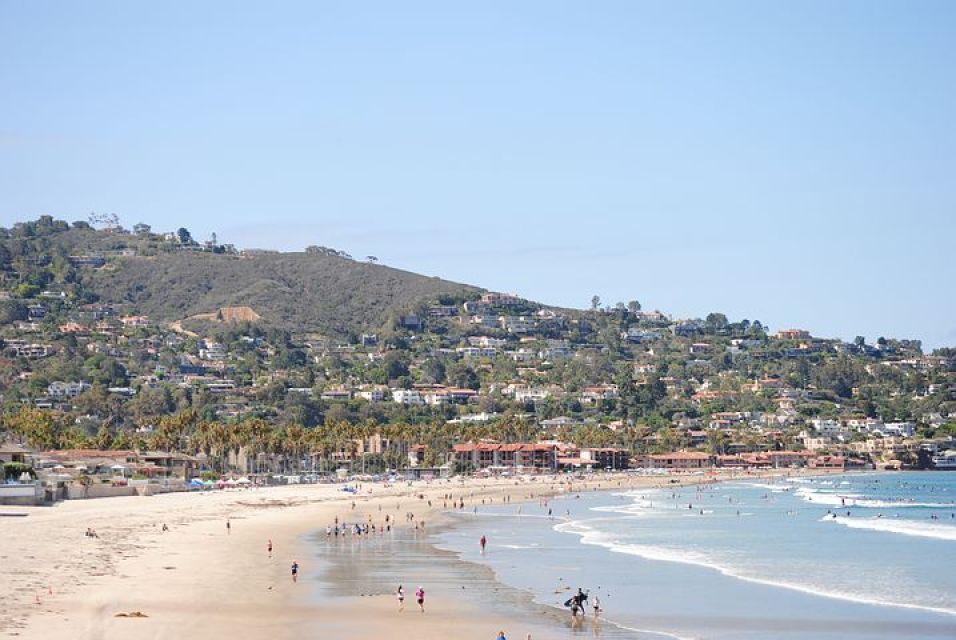美しい海岸線とお洒落なブティックが建ち並ぶラ・ホヤ