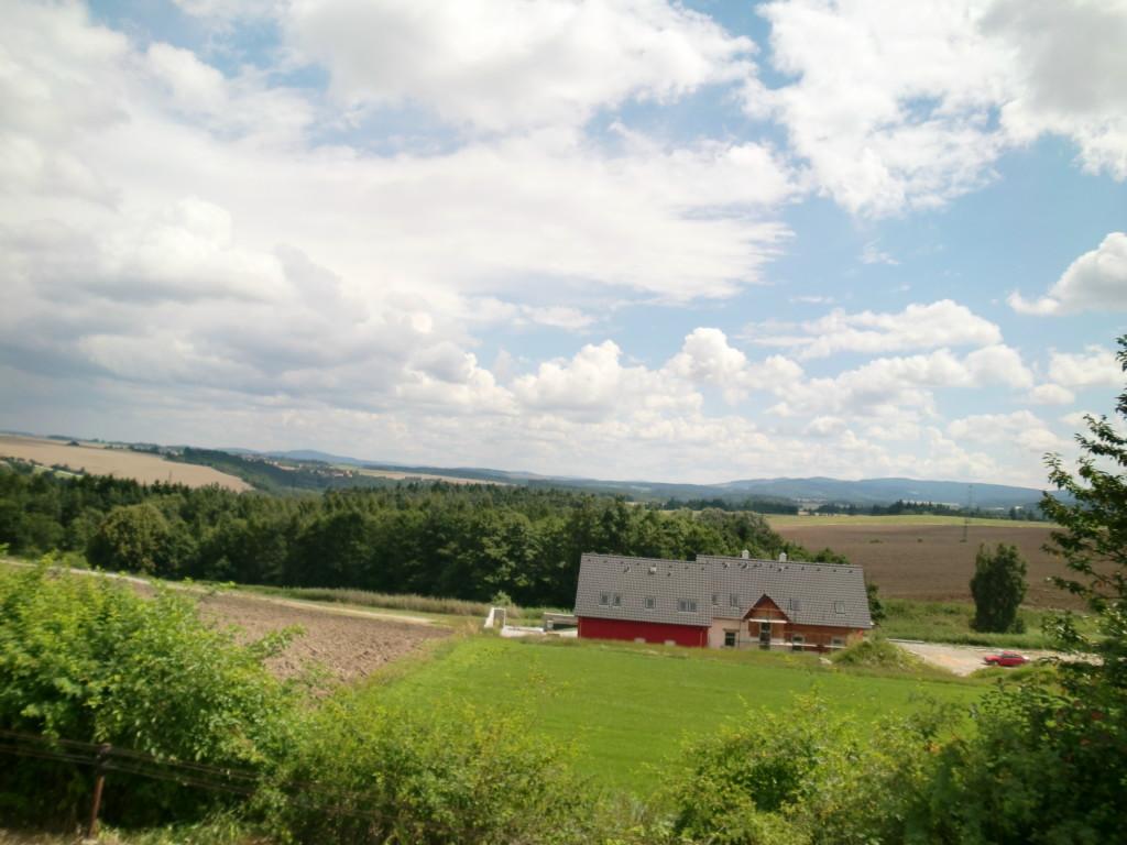 電車から眺めるチェコの田舎の風景