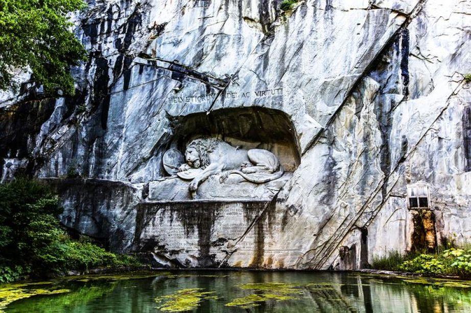 ルツェルンのライオン記念碑