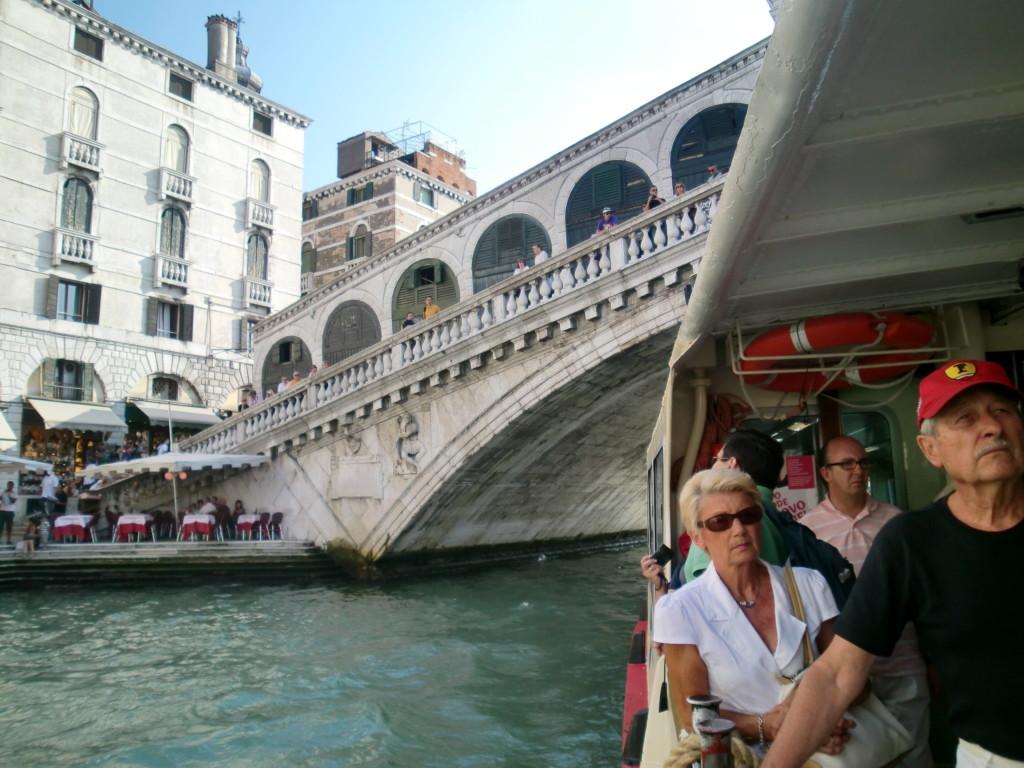 16世紀末に造られた石でできたリアトル橋
