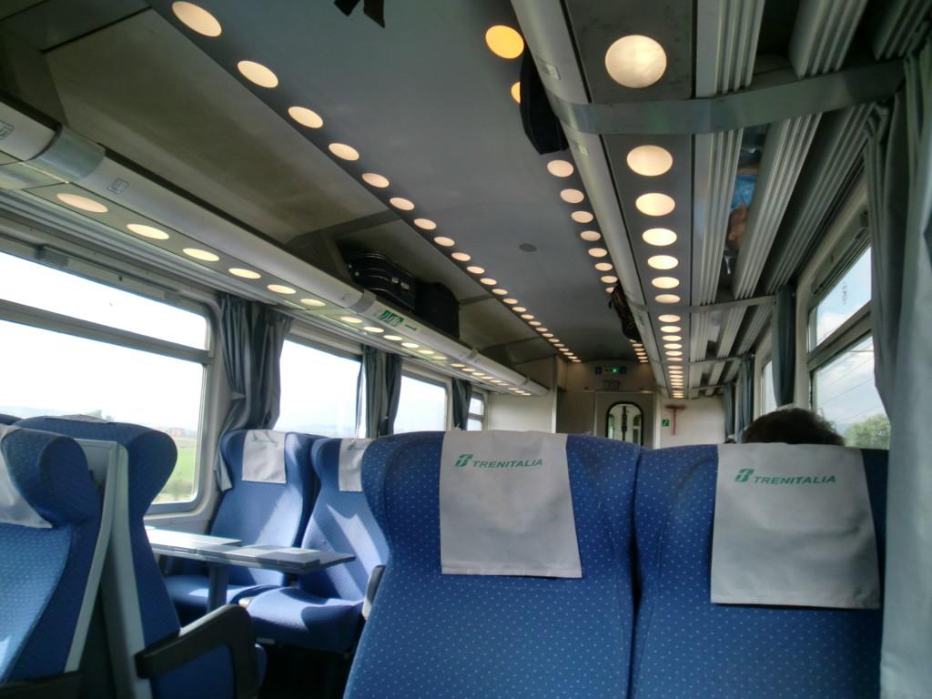 イタリアのフィレンツェからローマは電車で1時間半程で到着。