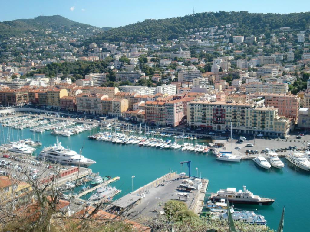 南フランスの高級リゾート地「ニース」は、一時期サルディニア王国の支配下にあった
