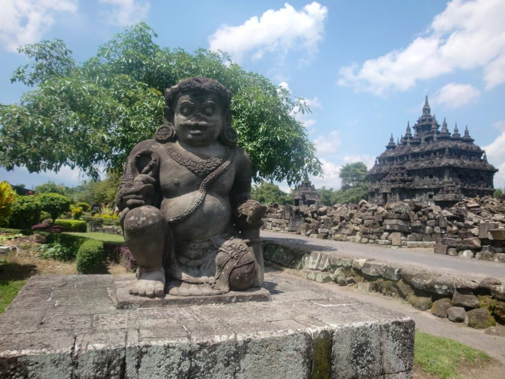 二つの仏堂が残る『プラオサン寺院』