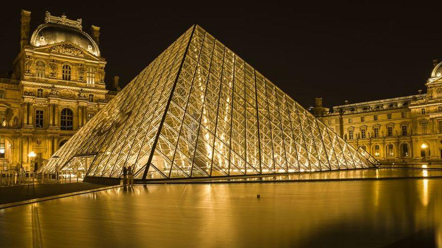 世界三大美術館に数えられる『ルーブル美術館』