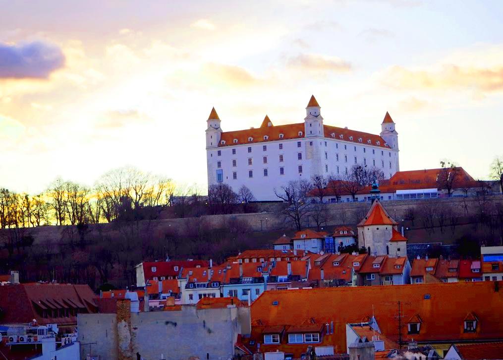 ブラチスラバを代表する観光名所:ブラチスラバ城を徹底解説