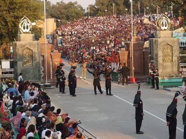 640px-Wagah_border_ceremony2