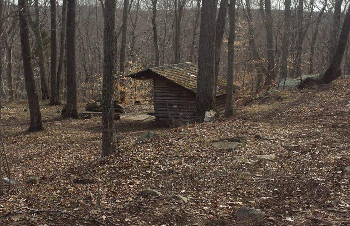 Legend Wood Shelter on approach