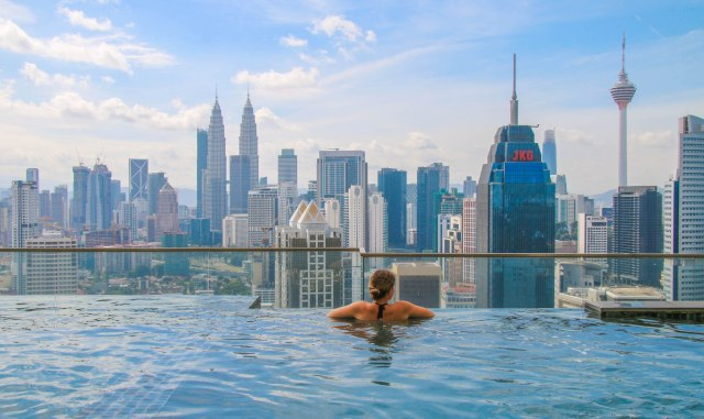 Cheap Hotels with a Rooftop Infinity Pool in Kuala Lumpur