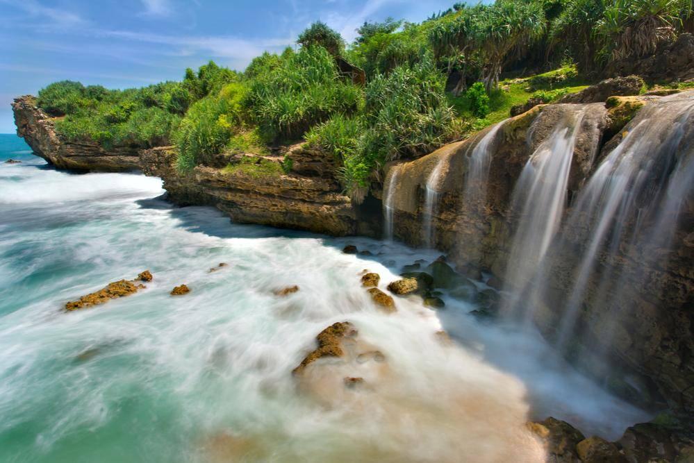 Yogyakarta Travel Guide Jogan Beach