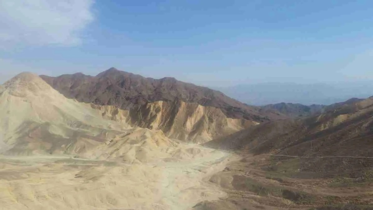 Hiking in the Eilat Mountains: From Mount Yoash to Mount Zefahot