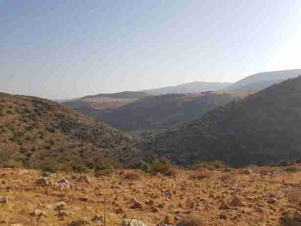 Israel National Trail enters Dishon Wadi