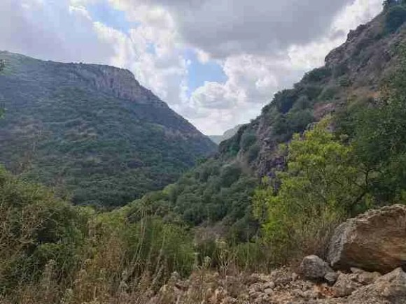 The view from the climb to Abirim