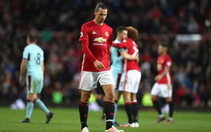 "Ibrahimovic ""suffering from a lack of confidence"" at Manchester United"