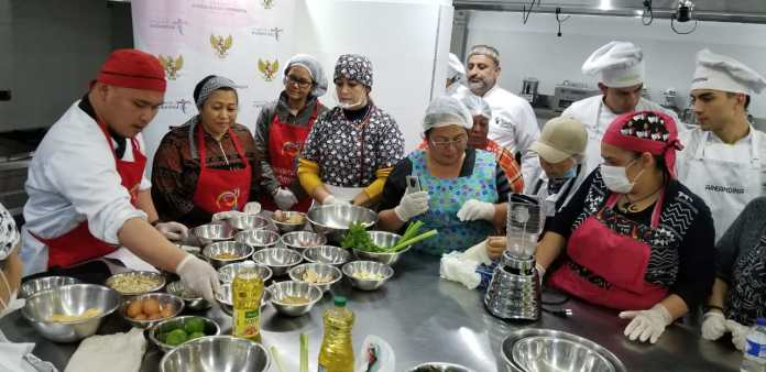 Indonesian Traditional Culinary Is Loved By Colombia Communities