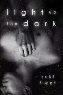 Cover Light Up the Dark by Suki Fleet
