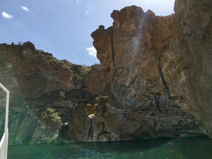 rock walls on Canyon Lake Arizona