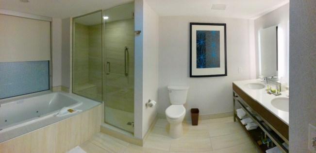 Doubletree bathroom - 3 Awe-Inspiring Niagara Falls USA Attractions