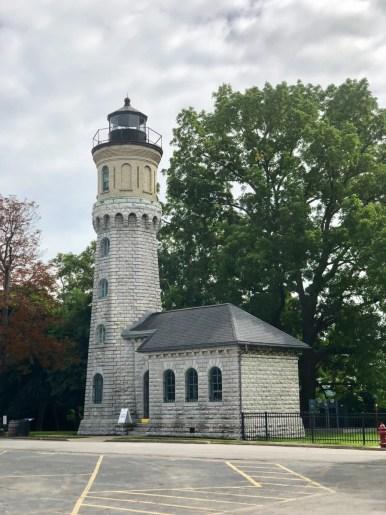 Fort Niagara lighthouse - 3 Awe-Inspiring Niagara Falls USA Attractions