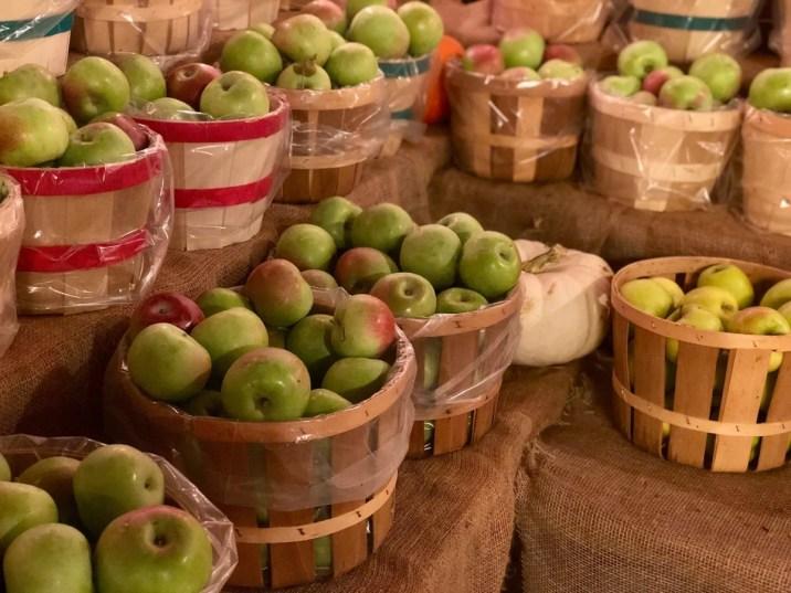 apple bushels - 3 Awe-Inspiring Niagara Falls USA Attractions