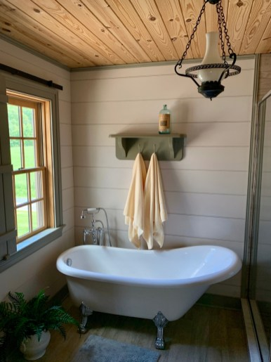 MeadowCroft Clawfoot Bathtub - Fun Things to Do in Staunton Virginia