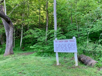 Natural Chimneys Overlook Trail Sign