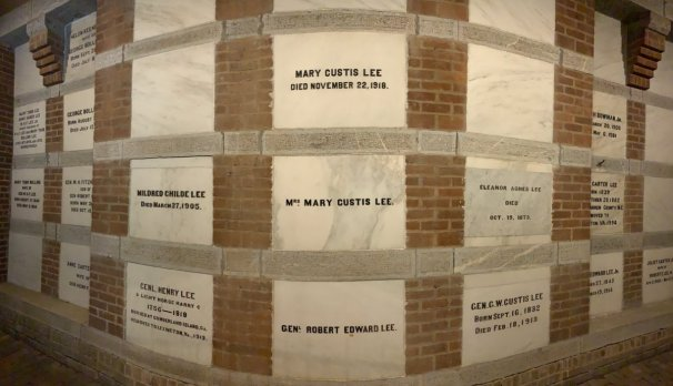 Robert E Lee Family Crypt - Scenic & Historic Things to Do in Lexington, Virginia