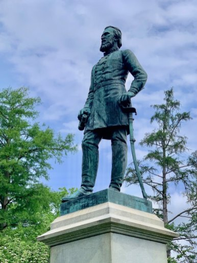 Stonewall Jackson Grave Statue
