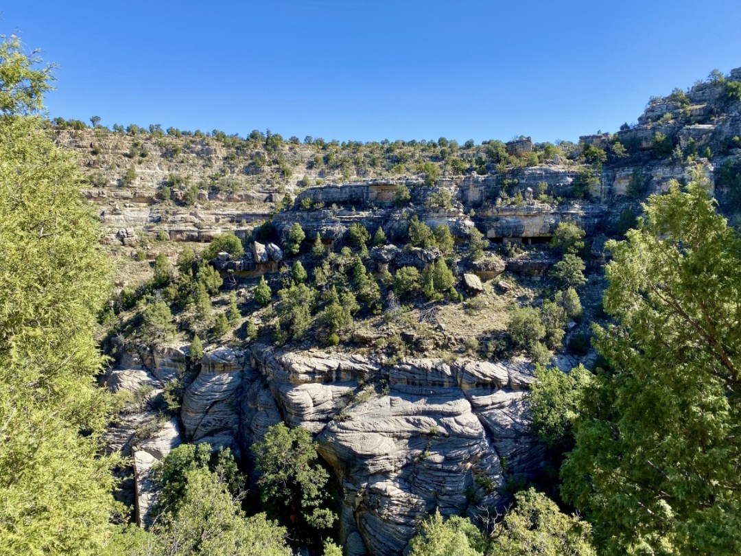 Dwellings on Walnut Canyon walls - 3 Magnificent Flagstaff National Monuments