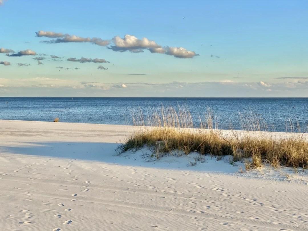 Mississippi Gulf Coast beach - 18 Favorite Mississippi Gulf Coast Restaurants