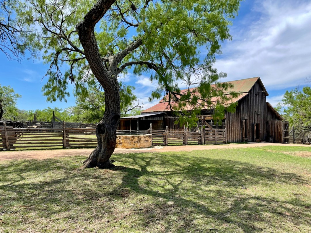 Sauer Beckmann barn - Explore LBJ Ranch and the Texas Hill Country