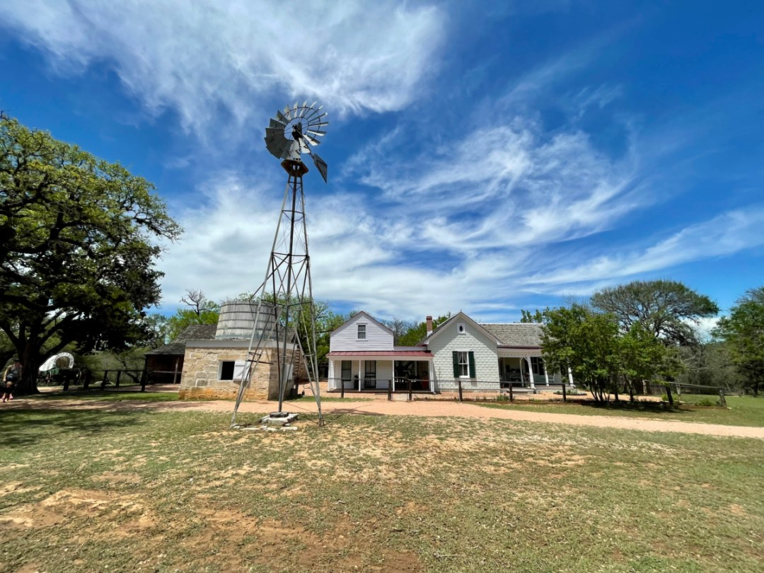 Sauer Beckmann main house - Explore LBJ Ranch and the Texas Hill Country