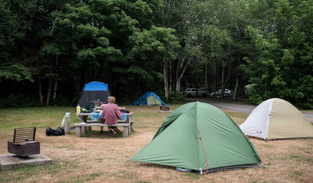 Camping Etiquette: Keep Your Neighbors Happy and Make Friends While Camping