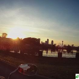 the sun setting on Niagara Falls