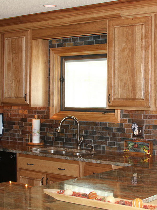 Rusty Brown Slate Mosaic Backsplash Tile For Traditional ... on What Backsplash Goes With Black Granite  id=68198