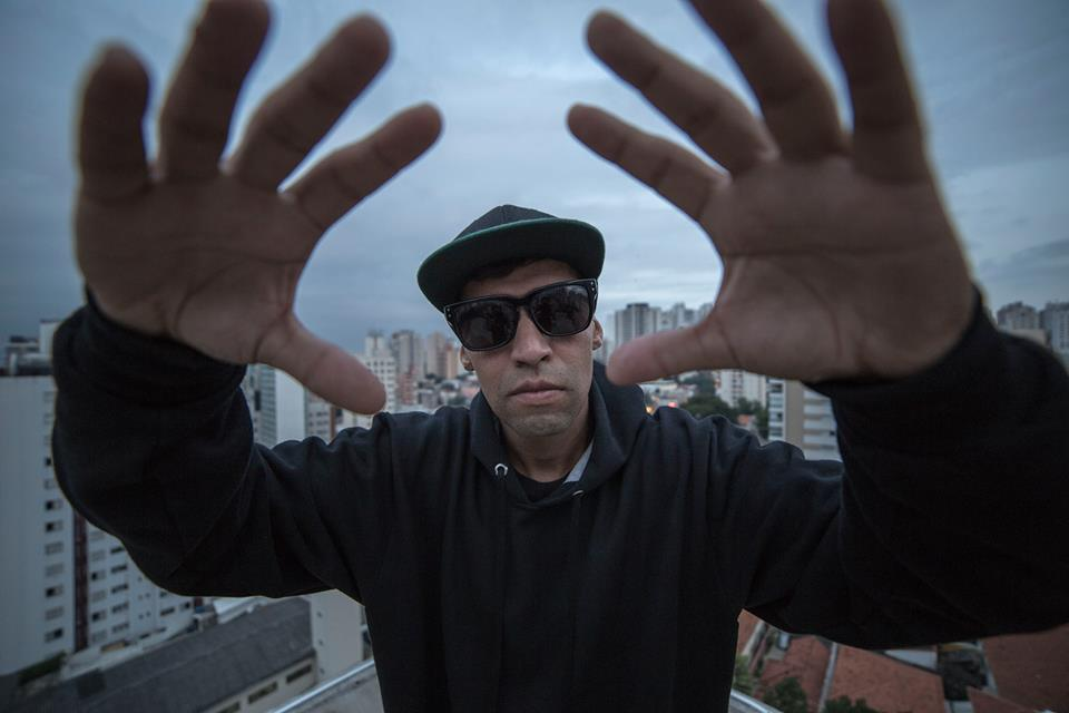 Léo Donkya – Fecha Na Blunt (Videoclipe Oficial)