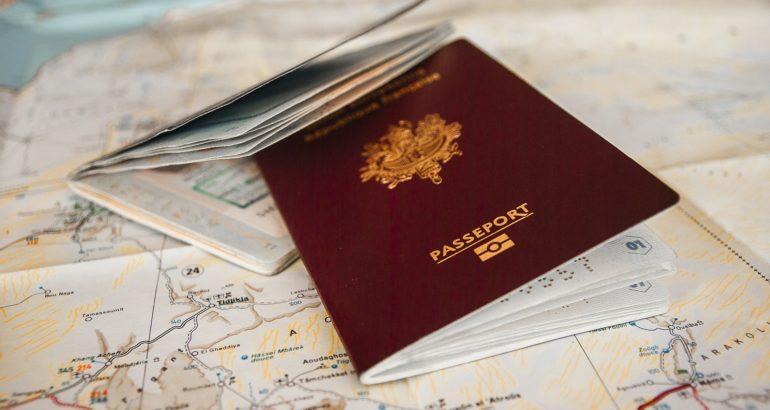 Programări online la pașapoarte în mallul Plaza România