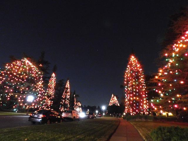 1 - christmas_tree_lane_san_marino_holiday_lights_los_angeles