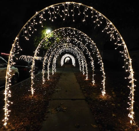 1 yolanda_lights_reseda_los_angeles_christmas_lights