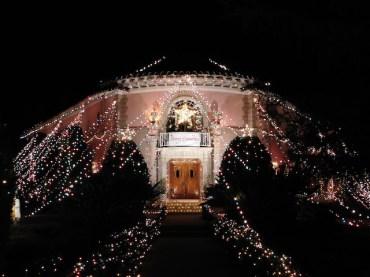 2 - balian_house_altadena_christmas_lights_los_angeles