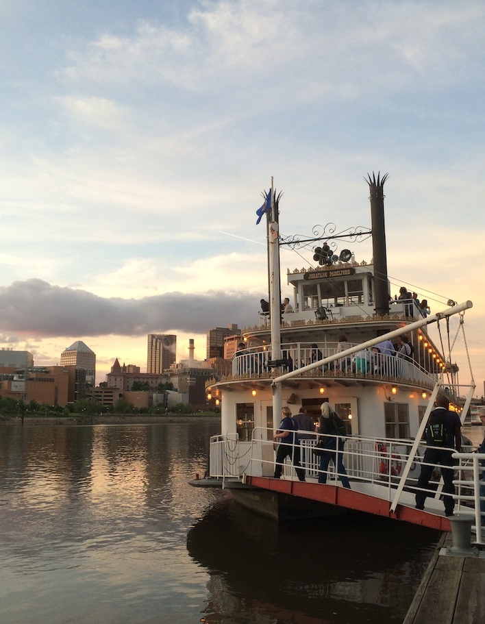 Mississippi River Cruise Saint Paul, Minnesota