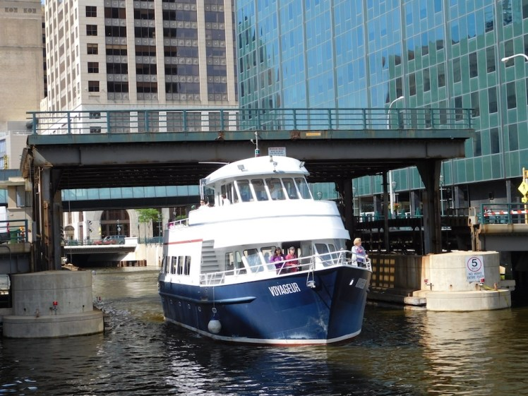 16-milwaukee-boatline-tour