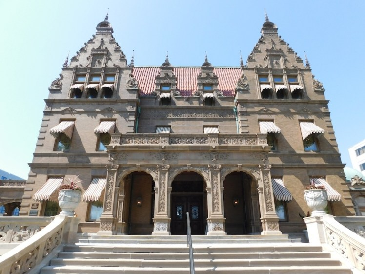 1-pabst-mansion-milwaukee