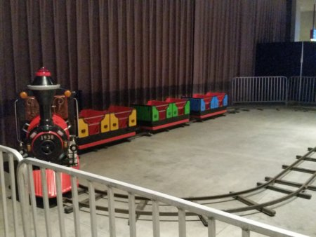 kiddie-rides-kiddie-train-on-track