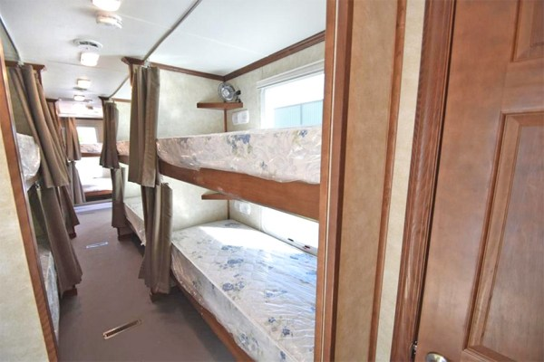 bunk-house-trailer-temporary-housing