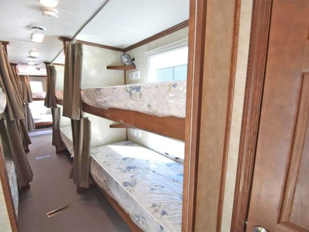 bunk-house-trailer-temporary-housing