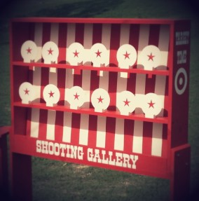 Shooting gallery carnival game