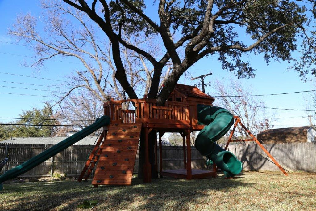 Kids Forts with Tree Decks | Backyard Fun Factory