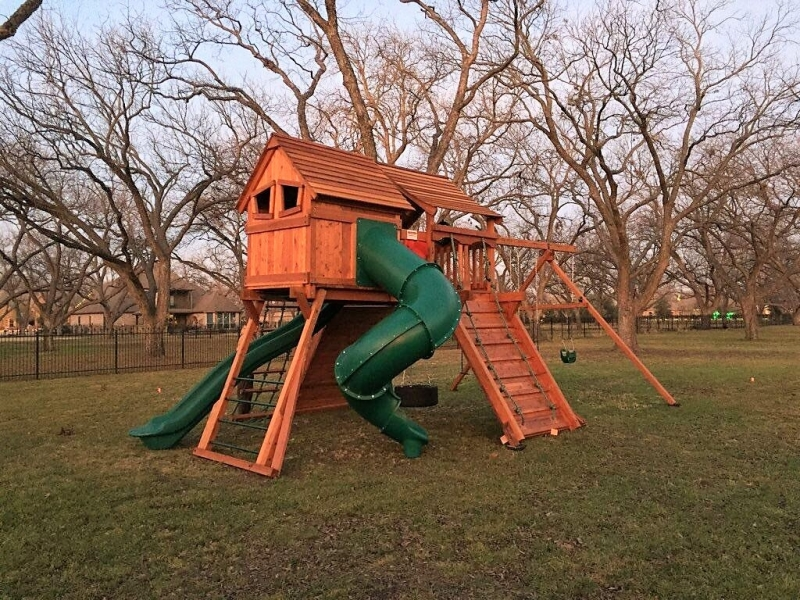 fun shack on top of monkey bars with ranger playset