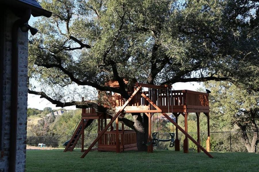 custom, tree deck, fort stockton, playset, wooden playset, cabin, swing beam, slide, swings, trapeze bar, kids, binoculars