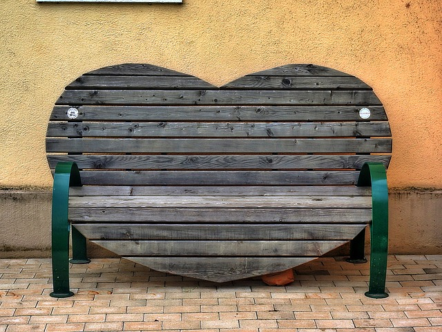 Most Important Tips for Building an Outdoor Garden Bench